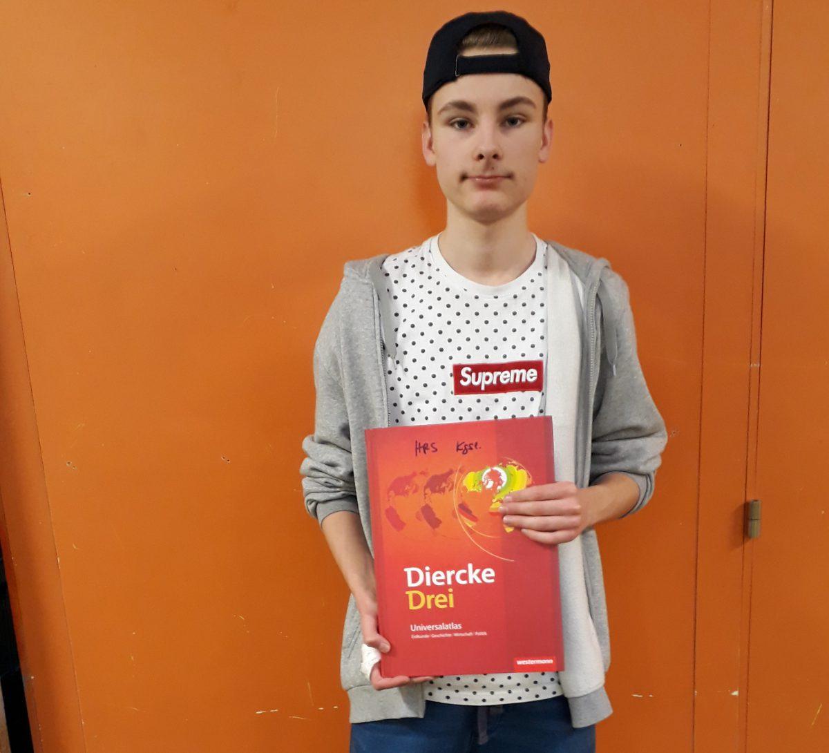 Timo Pabst aus der Klasse 9a setzte sich beim Geografie-Wettbewerb der Haupt- und Realschule Königslutter gegen seine Mitschüler durch. Er hat nun die große Chance, bester Erdkunde-Schüler Deutschlands zu werden.