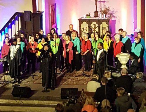 """Gospel verbindet: Deborah Woodson gab ein Konzert mit """"Color 'n' Joy"""""""