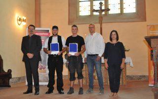 In der Dachdecker-Innung bestanden Justin Darius (Hofmeister, Helmstedt) und Luca Krengel (EB-ElmBau, Königslutter) erfolgreich ihre Gesellenprüfung.