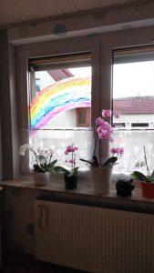 """Auf Regen folgt Sonnenschein - """"Alles wird gut"""" sagt dieser Regenbogen von Familie Winter aus Esbeck."""