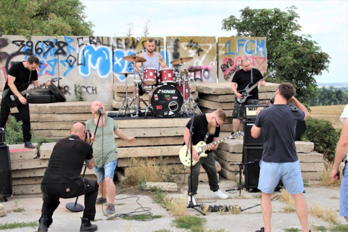 """Der Viedodreh der Band Norfolk mit """"Von heute für immer"""" fand in Hötensleben statt."""