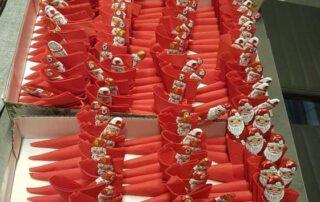 Bereits zu Nikolaus gab es selbstgebastelte Stiefel gefüllt mit Leckereien für die Heimbewohner.