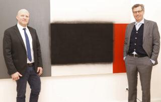 Florian Loebermann, IHK-Hauptgeschäftsführer, und Tobias Hoffmann, Präsident der IHK Braunschweig (von links), fordern konkrete Öffnungsperspektiven.