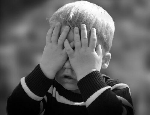 Kinder ertragen die Auswirkungen der Corona-Pandemie gut – Ist das wirklich so?