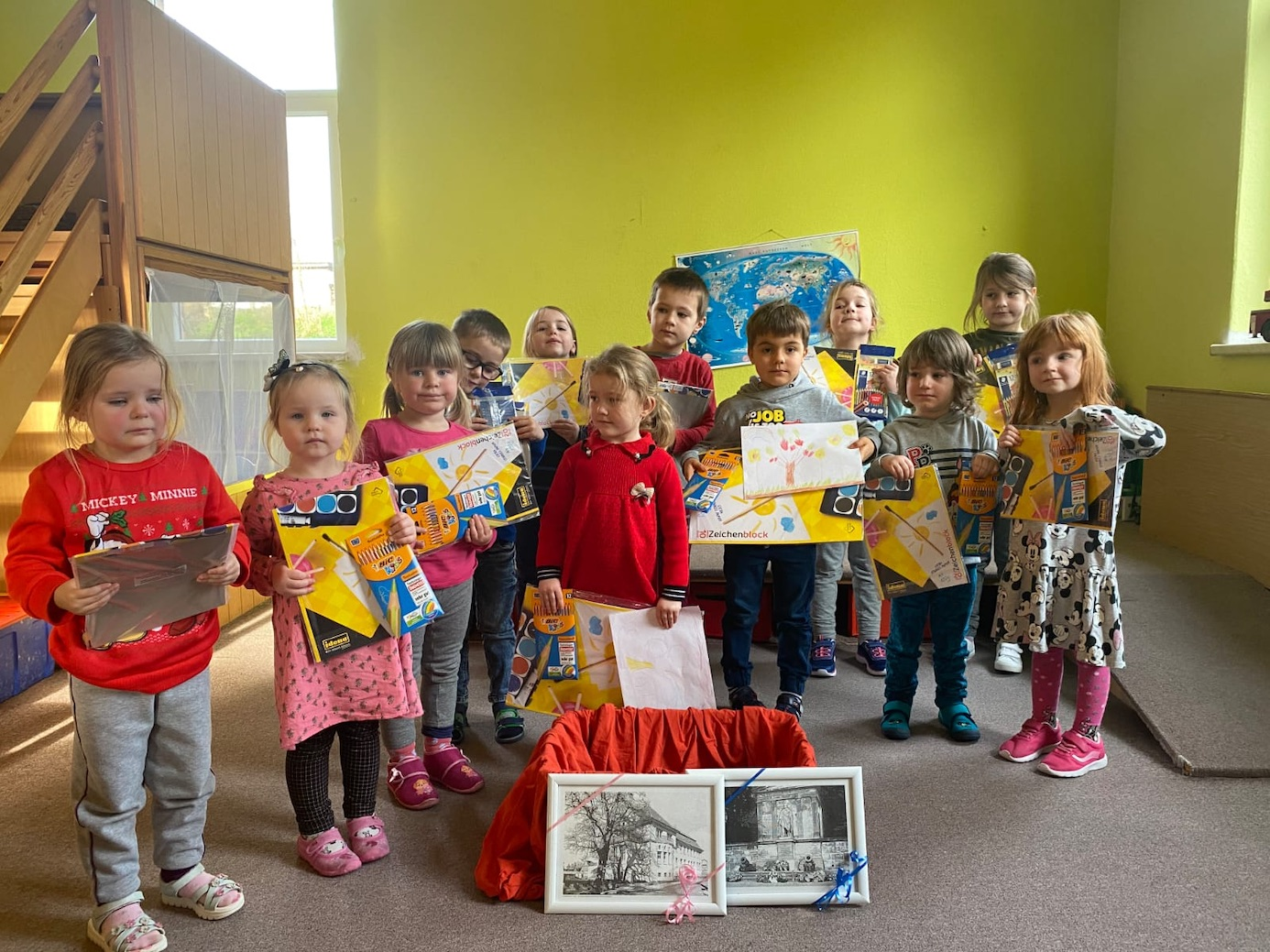 """Die Kinder im Kindergarten """"Regenbogen"""" in Sommersdorf bekamen ihre Preise. Foto: privat"""