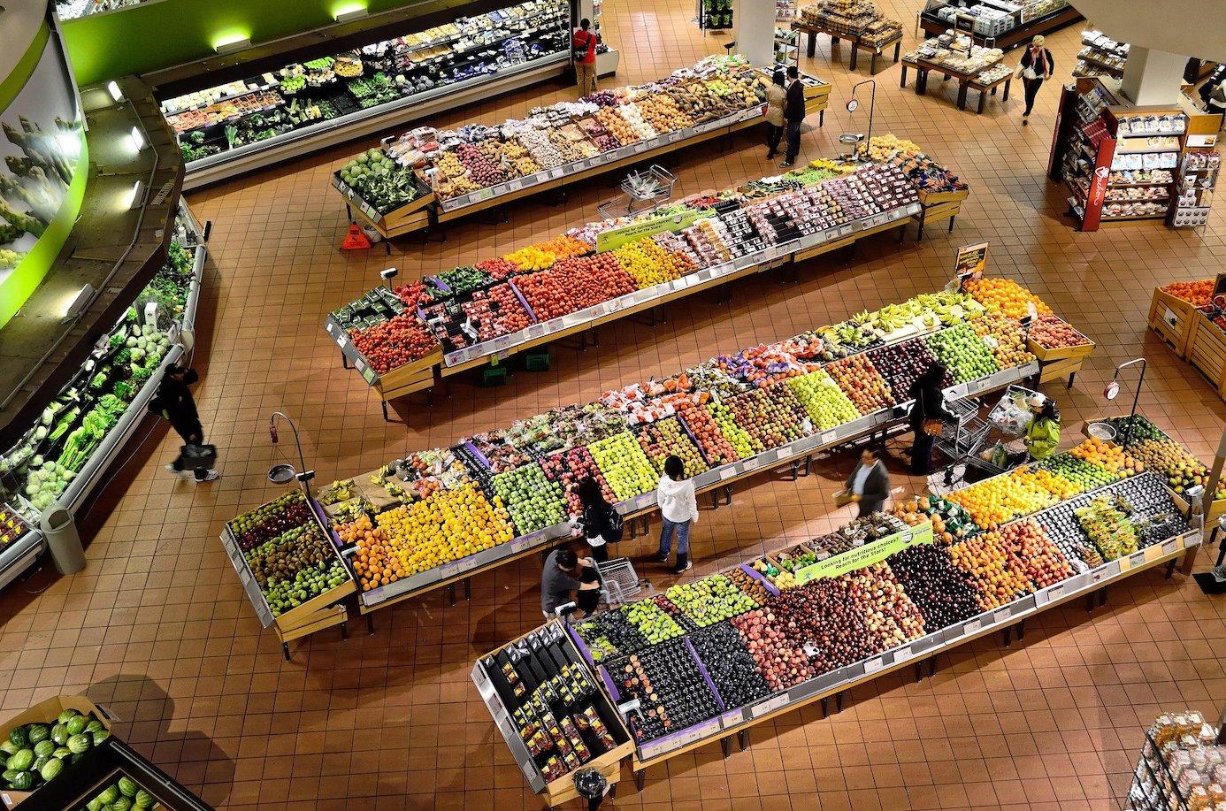 Wer die Wahl hat... Supermärkte bieten eine Fülle an Auswahl - von der überladenen Obst- udn Gemüsetheke bis zu bequemen Convenience-Lebensmitteln. Foto:pixabay.de