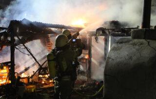In der Nacht zum Montag brannte ein Schuppen im Hinterhof eines Hauses in der Friedrichstraße. Foto: privat