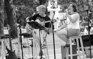 """Das Duo ,,two smArt"""" tritt am Mittwoch, 9. Juni, im Waldbad auf. Foto: privat"""