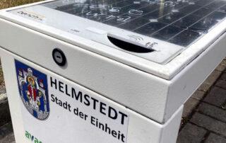 Unbekannte haben im August die Smart-Bench am Helmstedter Bahnhof beschädigt und damit für eine Nutzung unbrauchbar gemacht.
